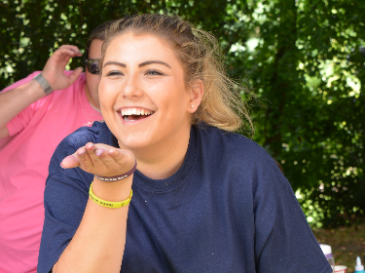 Meet Sarah, diagnosed with Osteosarcoma, aged 11
