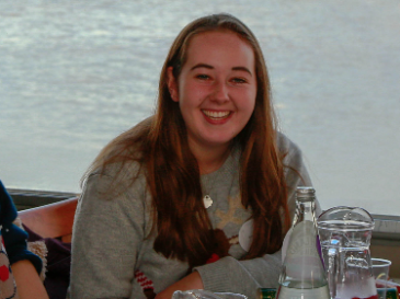 Meet Rebecca, diagnosed with Chondrosarcoma, aged 17